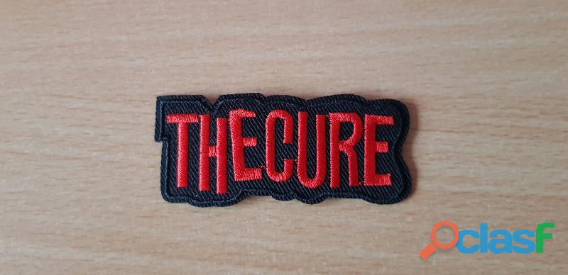 Ecusson brodé the cure 7,5x3 cm thermocollant 0