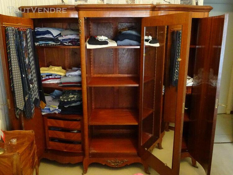 armoire en bois de rose 3 portes 0