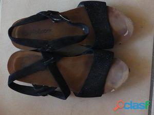 Chaussures de femmes taille 38 d'un joli noir