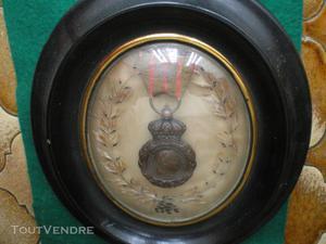 Médaille de sainte hélène encadrée