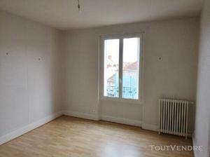 Appartement 4 pièces 79 m² à vichy marche couvert