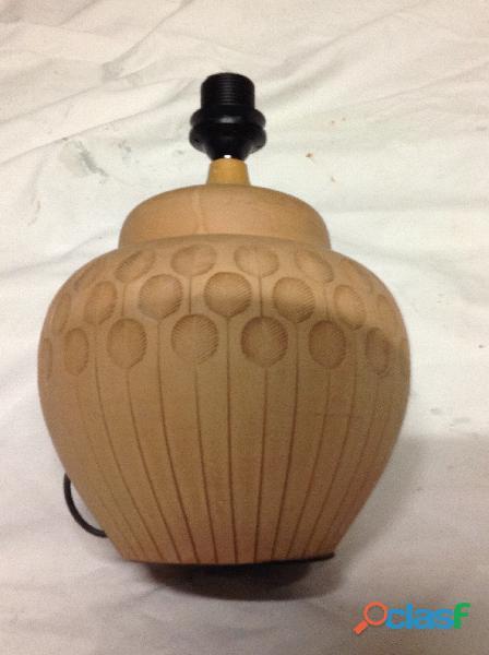 Pied de lampe en terre cuite, forme ronde