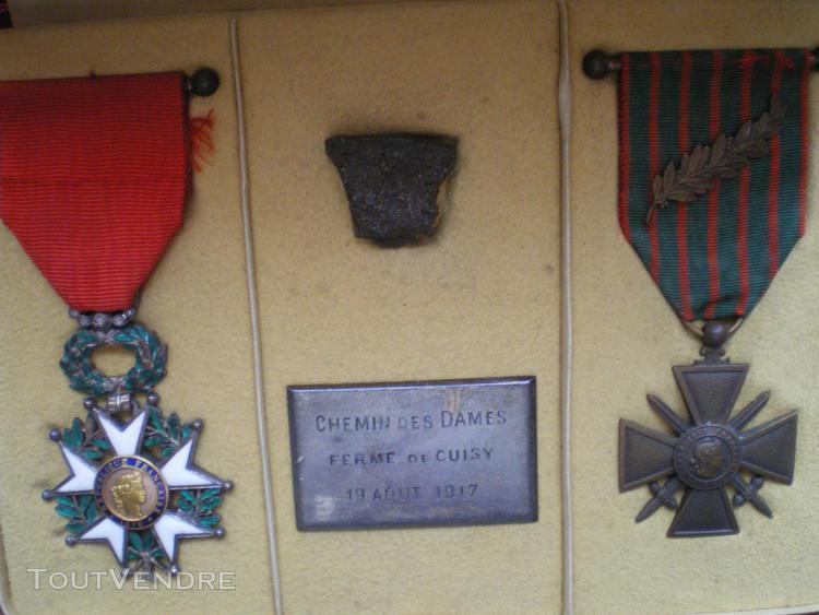 ordre de la légion d'honneur et croix de guerre 1917.