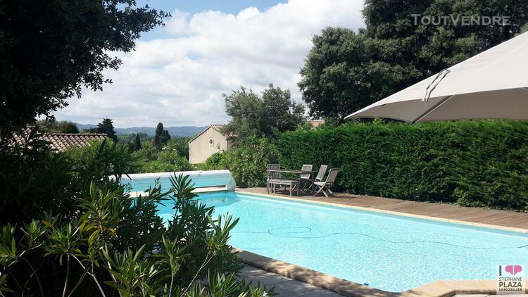 Villa avec piscine au calme - 3 chambres - 6 personnes