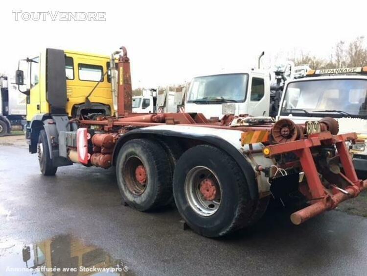 camion (ptac > 3,5 t) porte-conteneurs ou caisses mobiles ou