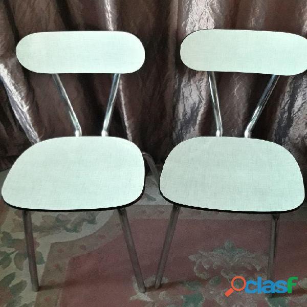 Lot de 2 chaises en formica vintage de couleur ver