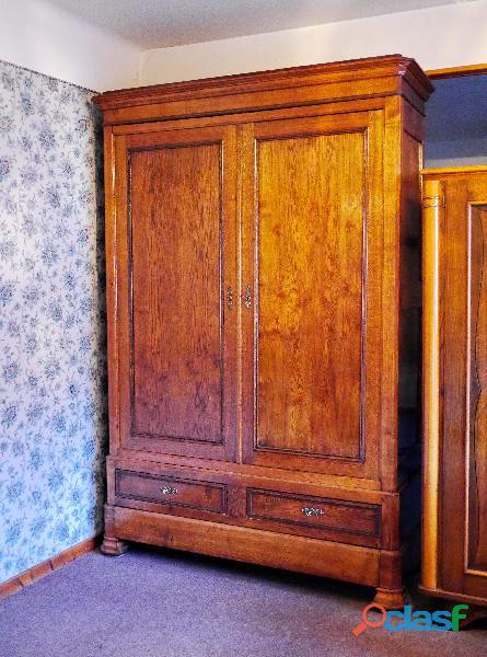 Très belle armoire louis xviii