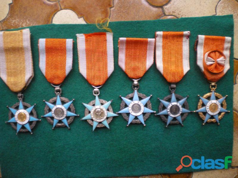 Ordres du mérite social   chevalier et officier.