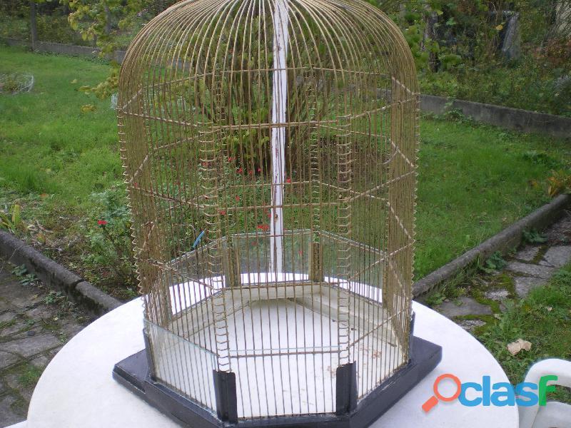 Cage à oiseaux.
