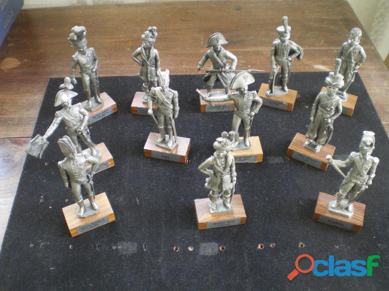 Figurines en étain du prince : maréchaux d'empire et divers.