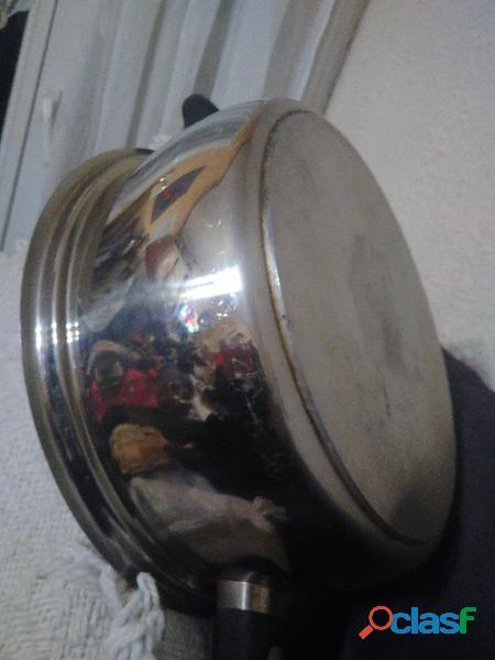Marmite en inox 27 cm de d 10 de profondeur tbé