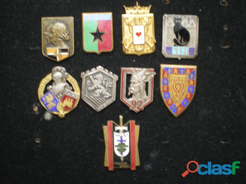 Insignes d'Infanterie   Attaches cassées.