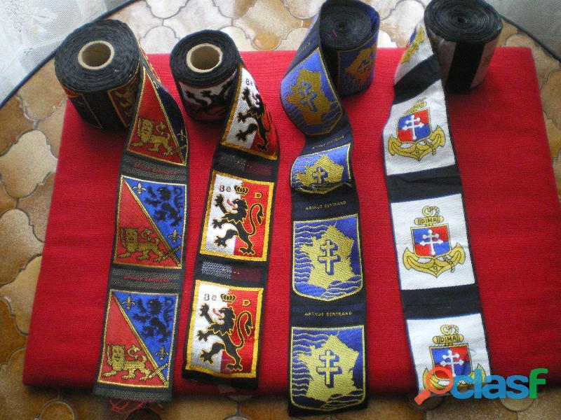 Insignes d'Infanterie en tissu sur rouleau.