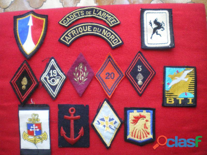 Insignes d'Infanterie et divers en tissu.