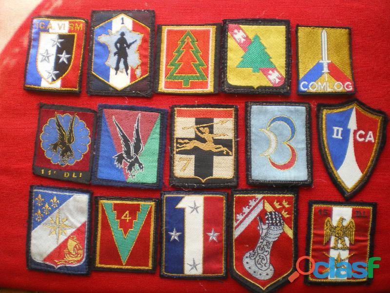 Insignes d'Infanterie, parachutiste et divers en tissu.