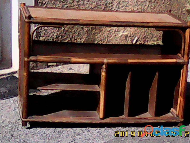 Élégant porte téléviseur ou meuble de rangement