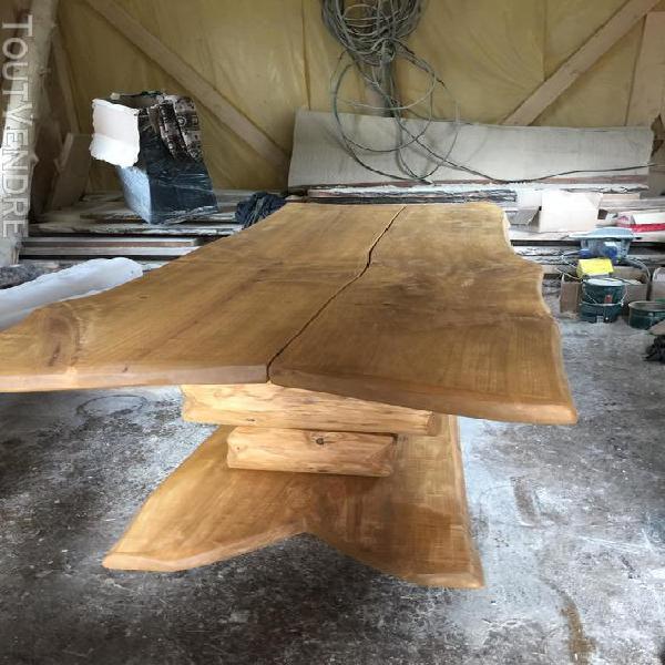 Ensemble table + 2 bancs en hêrtre