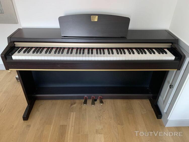 Yamaha piano numérique yahama clavinova clp-220