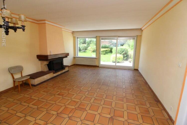 Maison 8 pièces sur terrain de 300 m²
