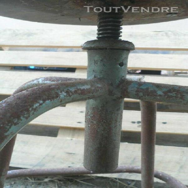 Tabouret réglable à vis loft industriel atelier veritable