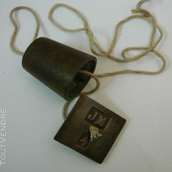 fil à plomb, outil ancien en fonte de fer