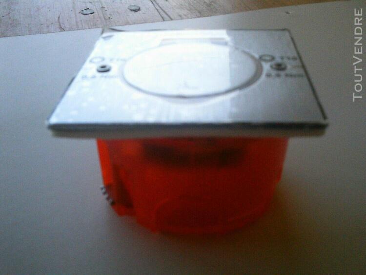 prise de sol legrand carrée étanche ip44 encastrée