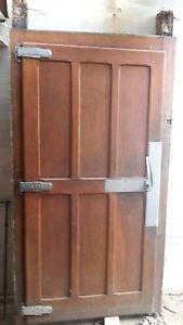 Porte de chambre froide ou frigo en chêne ancienne, ideal