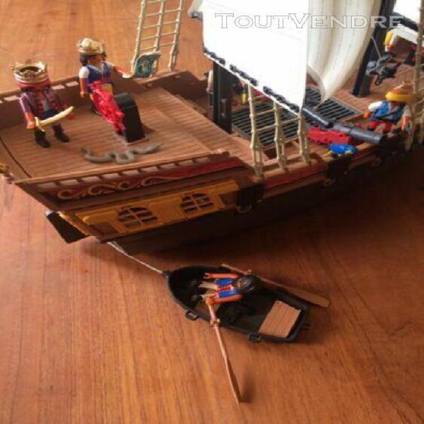 Playmobil 5135 bateau d'attaque des pirates