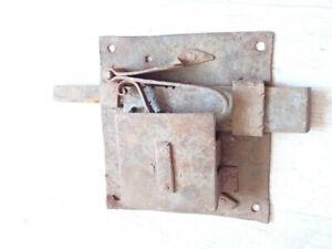 Grosse serrure ancienne de château cadenas verrou cle key