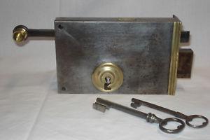 Serrure ancienne à tirette marque grc avec clés.