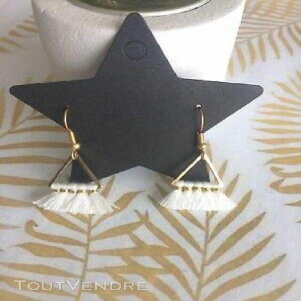 Boucles d'oreille mini pompons blanc crochet doré à l'or
