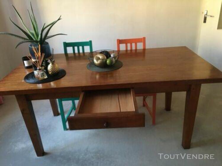 Table chêne avec tiroir fabriquée par artisan menuisier