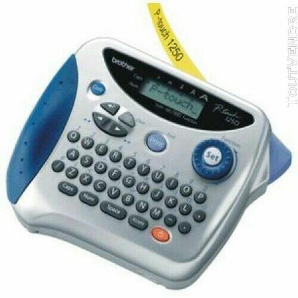 Machine à étiqueter brother p-touch 1250 avec alimentation