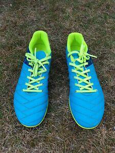 Paire de chaussures de foot kipsta décathlon pointure 35