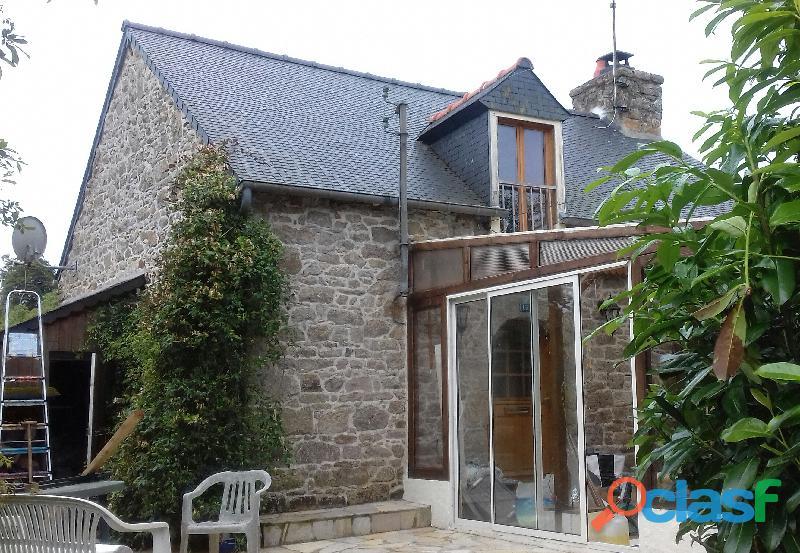 petite maison bretonne atypique