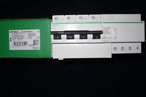 Disjoncteur differentiel 4p, 100a 300ma schneider electric