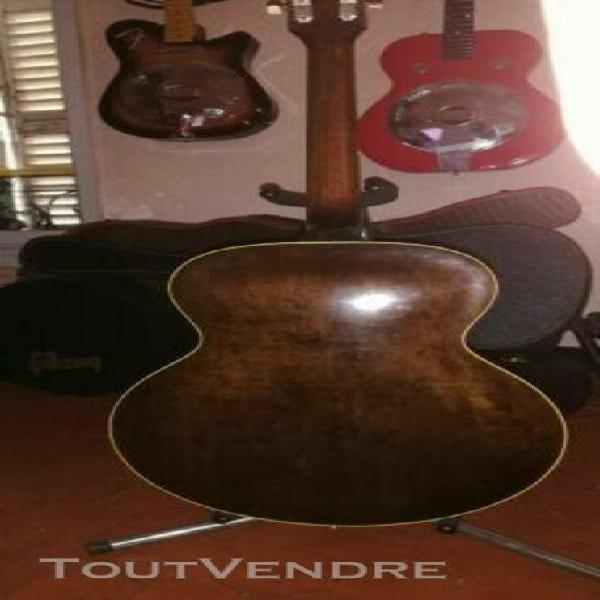 Voici un beau spécimen de Les Paul traditonal datant de 2010 Livrée en.