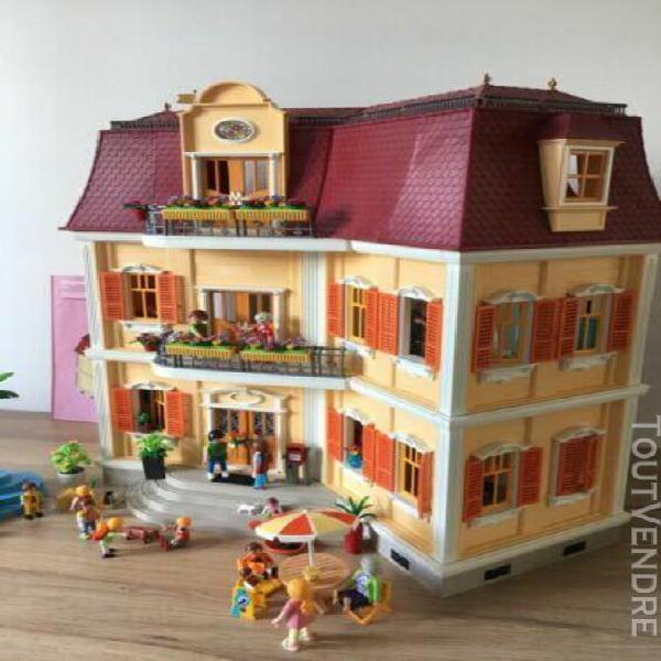 Maison playmobil 5302 entièrement meublée