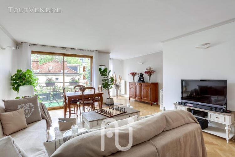Appartement 4 pièces 106 m² + balcons + 2 parking