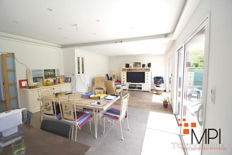 Maison l hermitage 6 pièce(s) 130 m2
