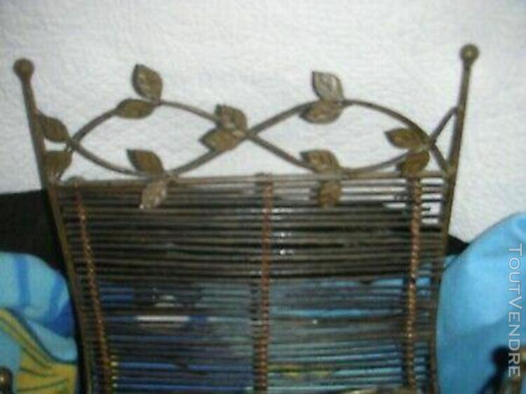 ancien panier porte- bûches en fer forgé décor feuilles