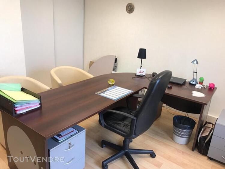 Bureau indépendant dans immeuble à usage tertiaire