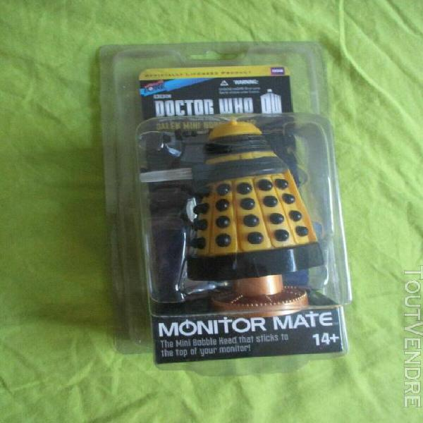 doctor who: yellow eternal dalek monitor mate bobble head