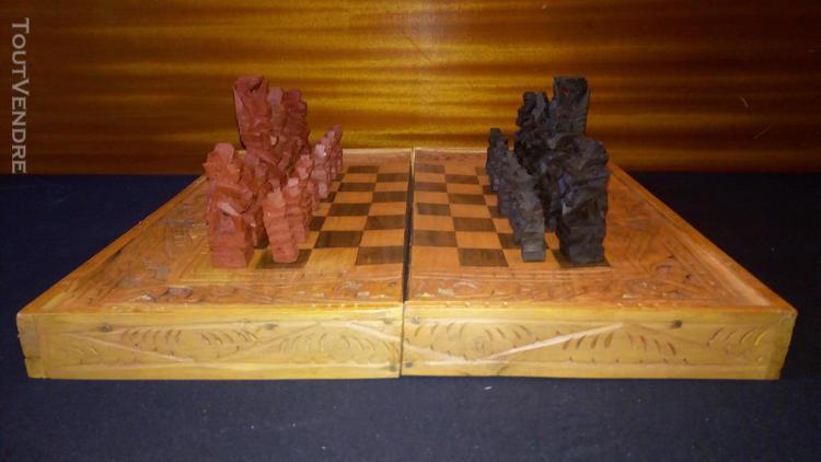 echiquier de bali en bois sculpté roug&noir boite