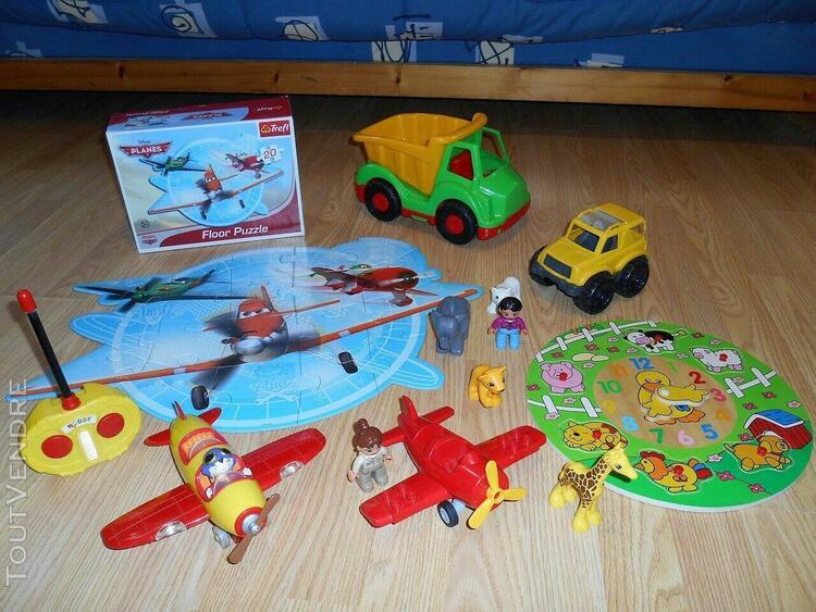 lot jouets planes, oui-oui, ecoiffier, lego et autres...