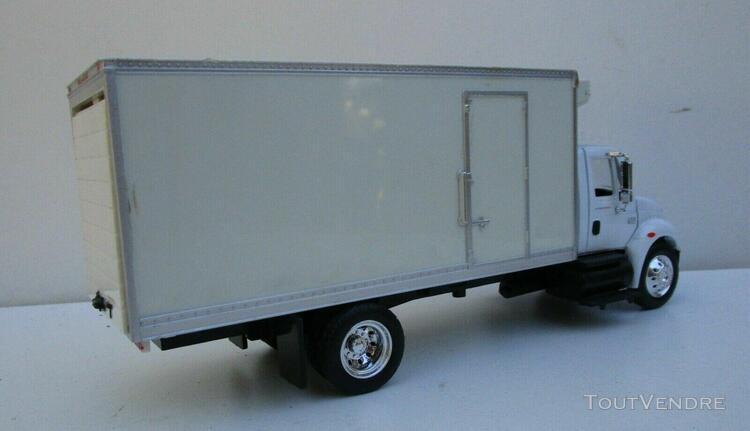 1/43 - camion international 4200
