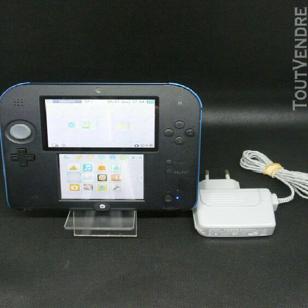 Nintendo 2ds (2 ds) + chargeur officiel - excellent état.