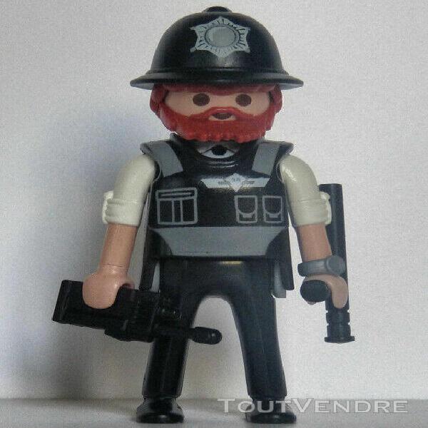 Playmobil police - policeman - bobby - casque - custodian he
