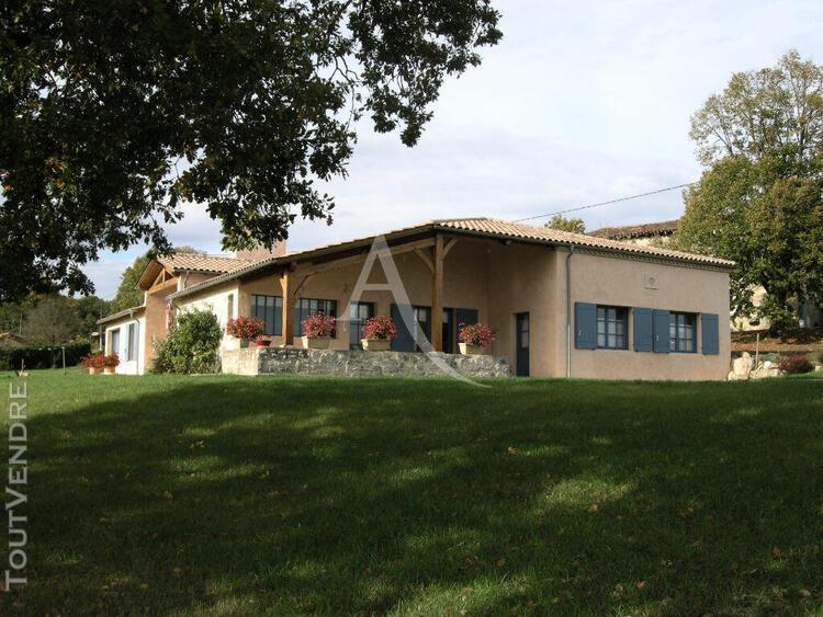 Maison en pierre - 6 pièce(s) 257 m2 proche casteljaloux