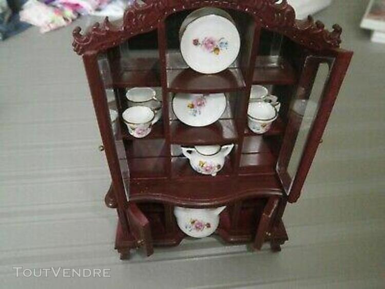 Mobilier bois figurine maison de poupee commode vaisselier t